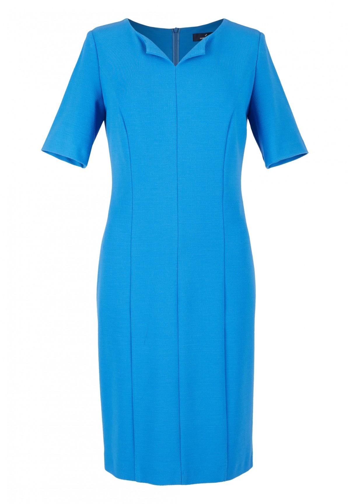 Kleid mit Ziernähten / Kleid