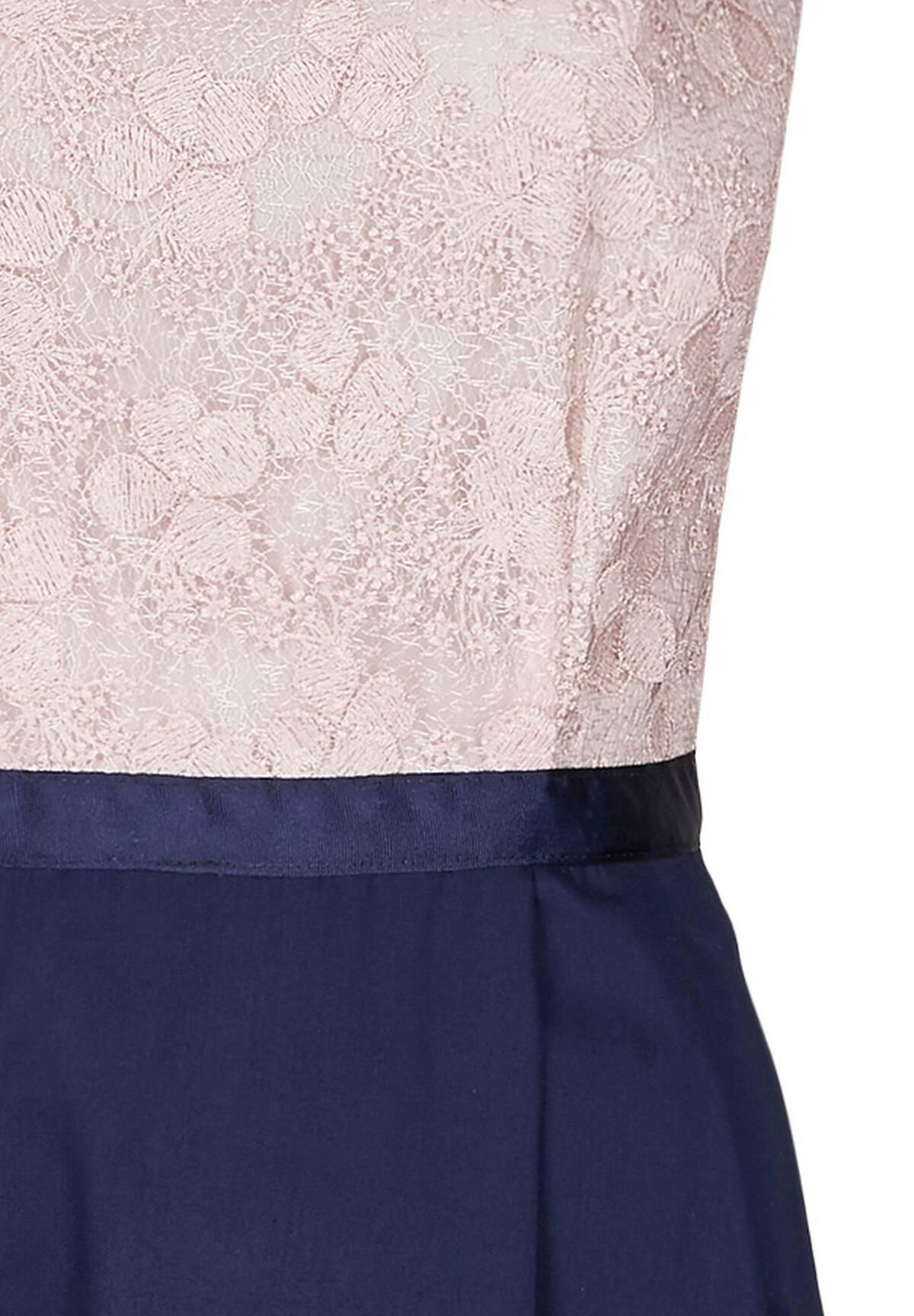 Elegantes Kleid mit Rundhalskragen / Feminine Lace Dress